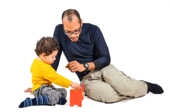 therapist-and-child-in-play-therapy
